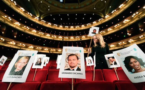 epa05154048 The faces of Bafta award nominees are placed on chairs inside The Royal Opera House ahead of the Bafta Awards during a photocall in London, Britain, 11 February 2016. The ceremony will be hosted by the British Academy of Film and Television Arts (BAFTA) on 14 February.  EPA/ANDY RAIN